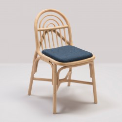 Chaise en rotin design SILLON avec coussin Mood bleu de Gabriel Fabrics