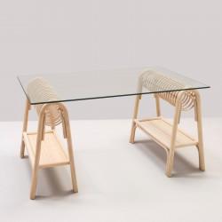 Tréteaux en rotin pour bureau design PASSE-PASSE avec plateau en verre